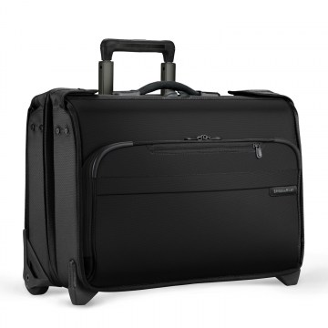 briggs-&-riley-baseline-carry-on-wheeled-garment-bag-black_1